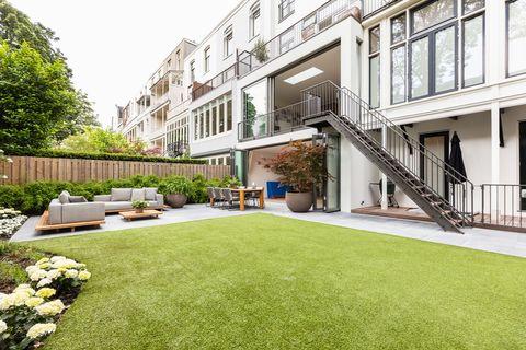 Property, Grass, Building, House, Courtyard, Lawn, Yard, Real estate, Backyard, Artificial turf,