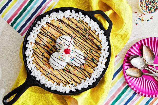 funfetti cake skillet