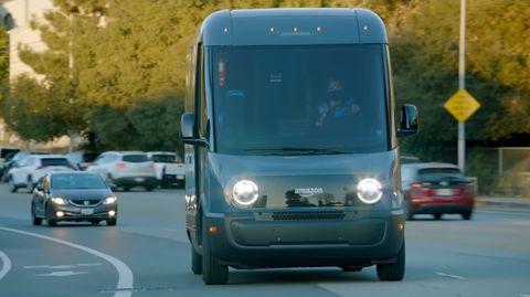 furgoneta eléctrica de amazon y rivian