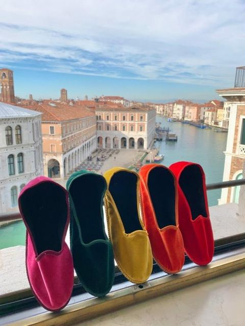 Facade, Carmine, Magenta, Coquelicot, Natural material, Dress shoe,