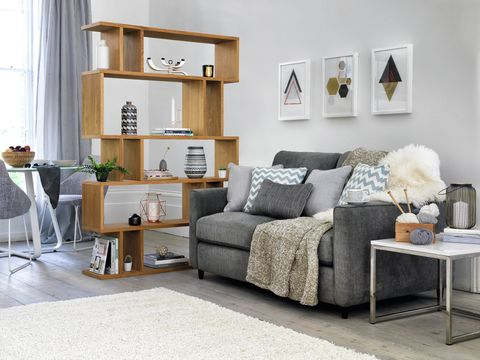How To Create A Clutter-free, Clean And Organised Living Room