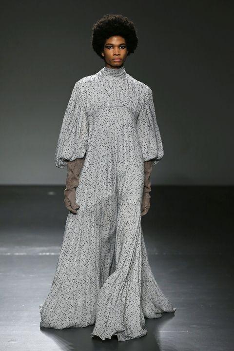 Fashion model, Fashion, Clothing, Fashion show, Runway, Dress, Gown, Fashion design, Haute couture, Shoulder,