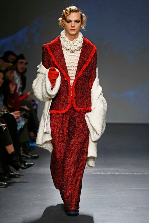 Fashion, Runway, Fashion model, Clothing, Fashion show, Fashion design, Outerwear, Event, Haute couture, Formal wear,