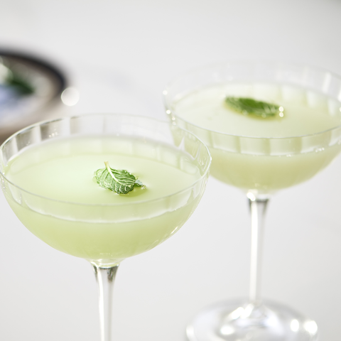 Drink, Food, Alcoholic beverage, Gimlet, Cocktail garnish, Cocktail, Daiquiri, Non-alcoholic beverage, Ingredient, Garnish,