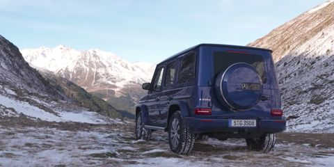 Land vehicle, Vehicle, Car, Automotive tire, Regularity rally, Tire, Off-roading, Sport utility vehicle, Off-road vehicle, Mercedes-benz g-class,