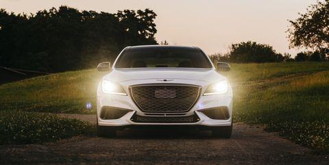 Land vehicle, Vehicle, Automotive design, Car, Mid-size car, Automotive exterior, Full-size car, Grille, Personal luxury car, Luxury vehicle,