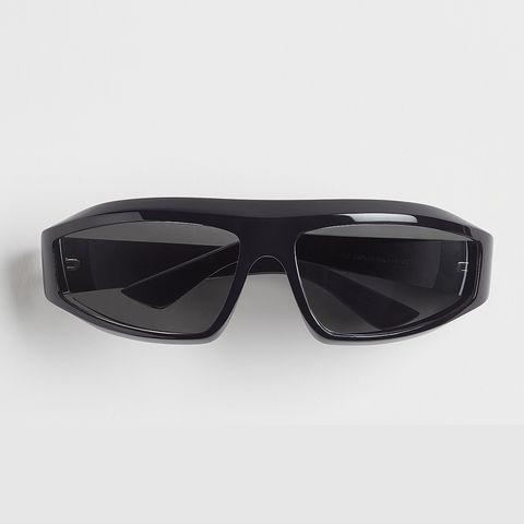 gafas de sol en acetato negro de bottega veneta 380 euros