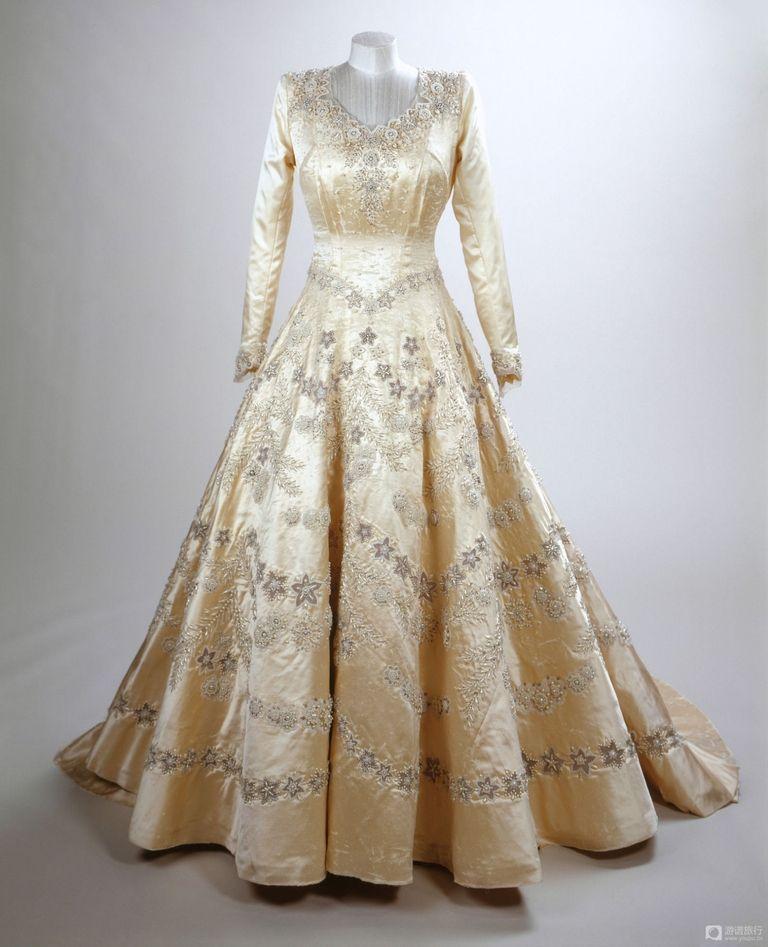 Image result for elizabeth ii wedding dress