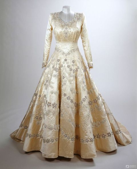 Queen Elizabeth S Wedding Dress