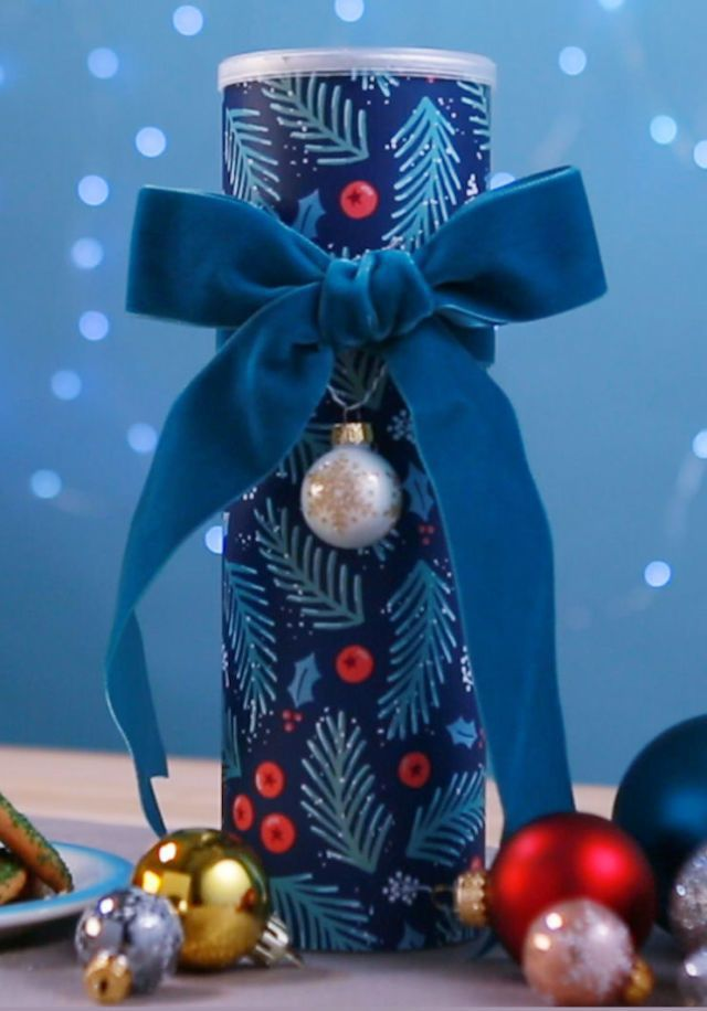 gngerbread chrstmas cubcle chrstmas offce decor.htm 60 diy christmas crafts 2019 easy holiday craft ideas for kids  60 diy christmas crafts 2019 easy