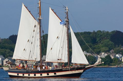 Vehicle, Sailing ship, Water transportation, Tall ship, Boat, Barquentine, Schooner, Galeas, Sail, Caravel,
