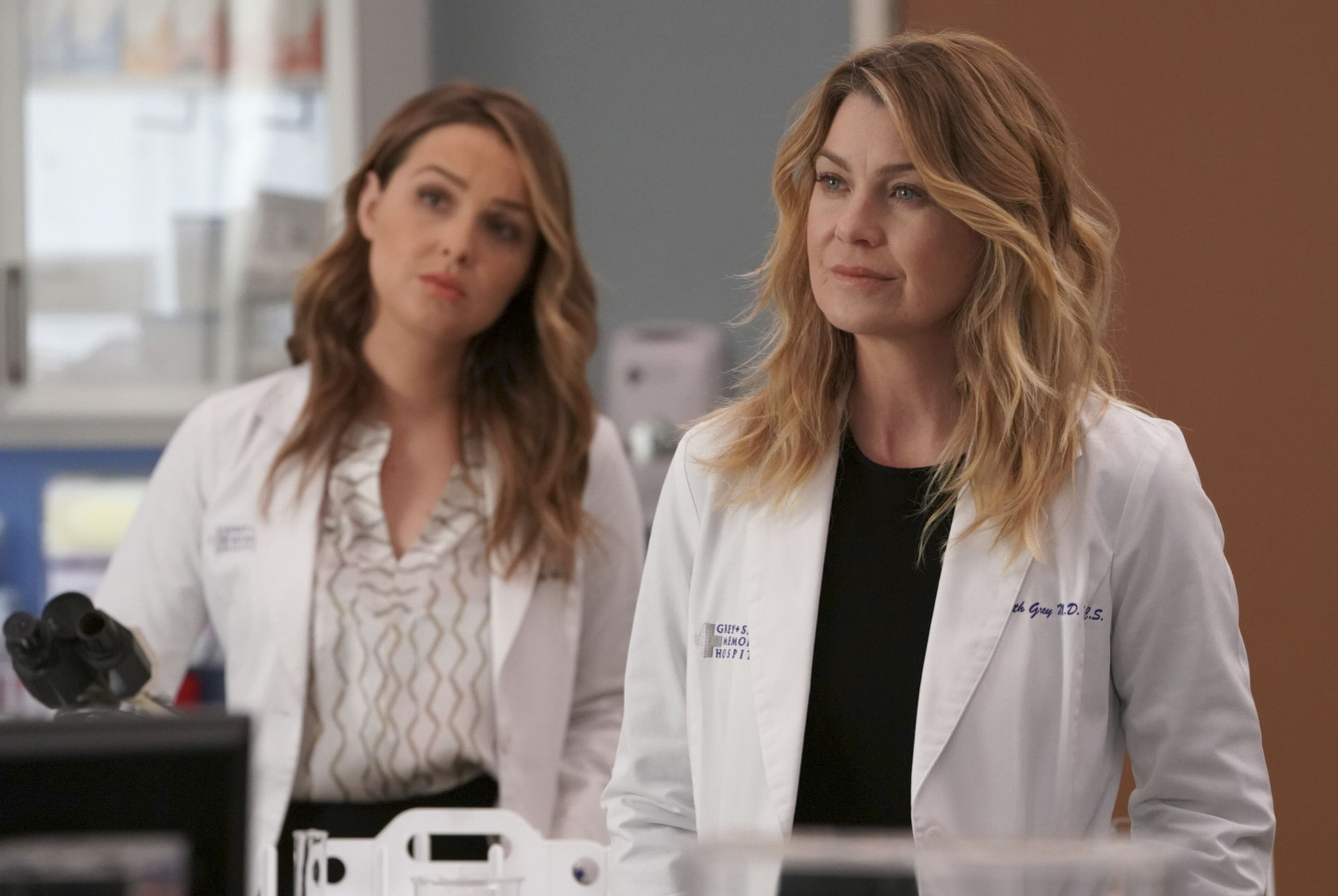 The 'Grey's Anatomy' Showrunner Said There Will Be a Major Cliffhanger in Tonight's Episode