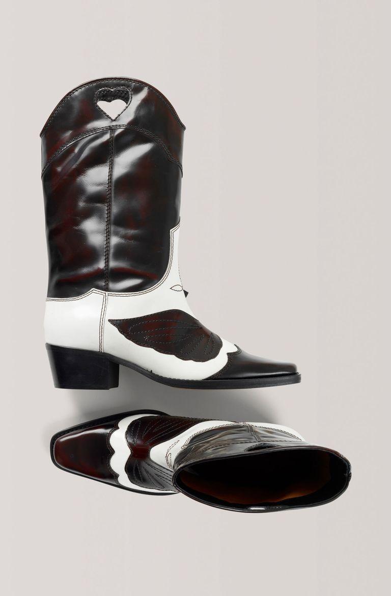 huge discount c3a0c 0df9b Sara Carbonero lleva ya las botas cowboy que arrasan entre las instagramers