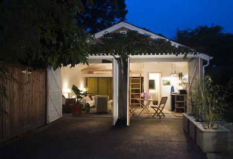 garaje transformado en casita noche