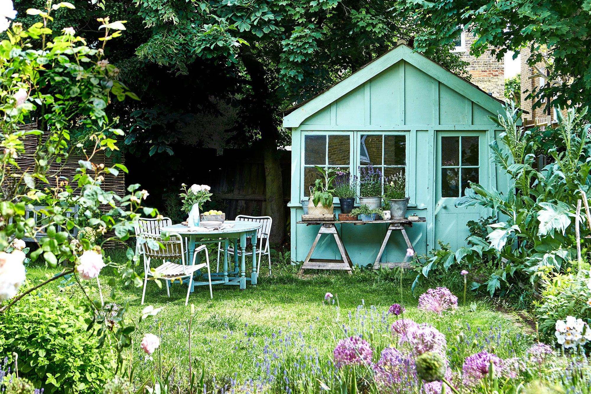 9 Rustic And Vintage Garden Styling Tips