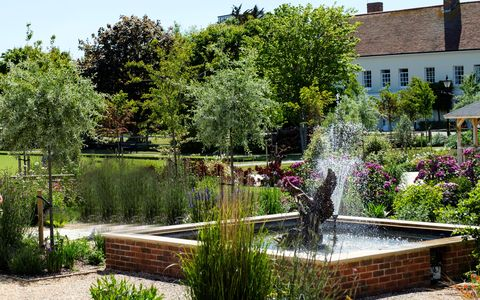 beautiful garden designed by juliet