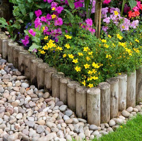 Garden Edging Ideas Border, Wooden Garden Borders