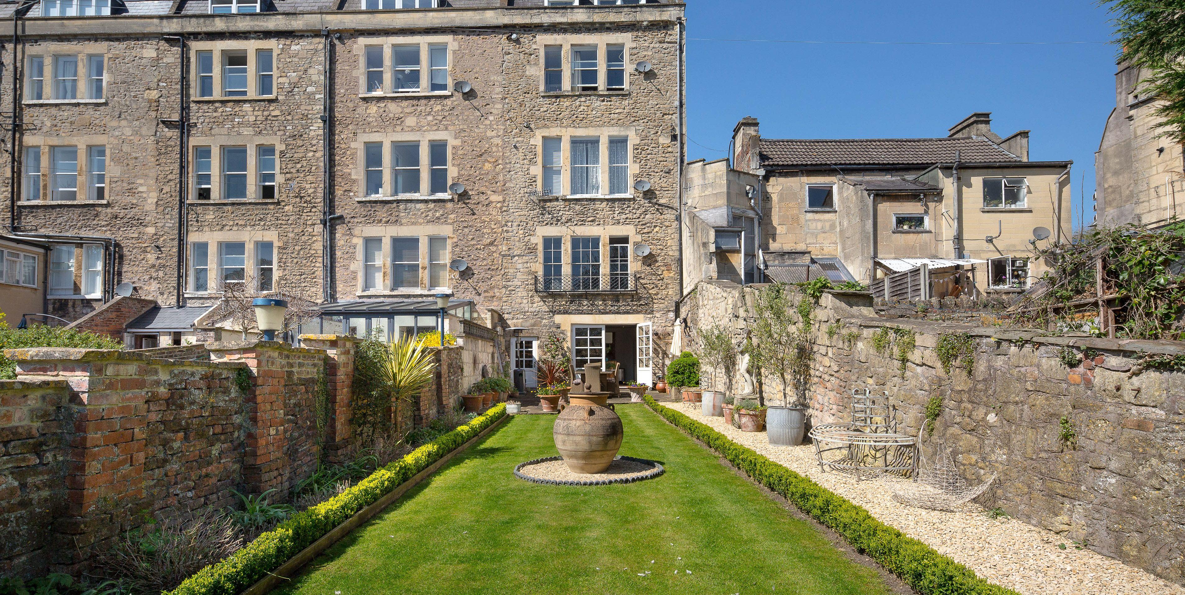Garden Maisonette, 8 Walcot Terrace - Bath - garden - Hamptons International