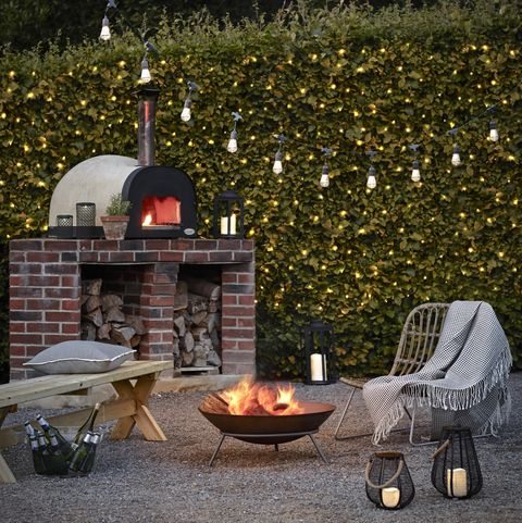 garden party ideas including a fire pit