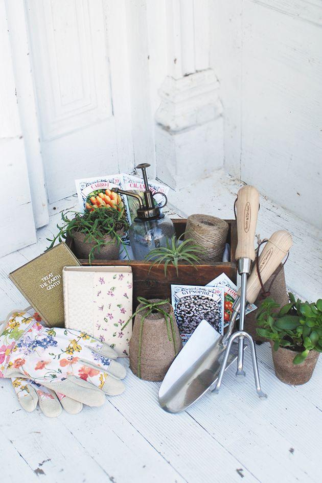 diy gardener gift basket