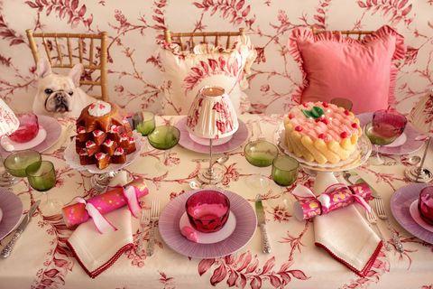 gardner courtland co table cake candles veranda