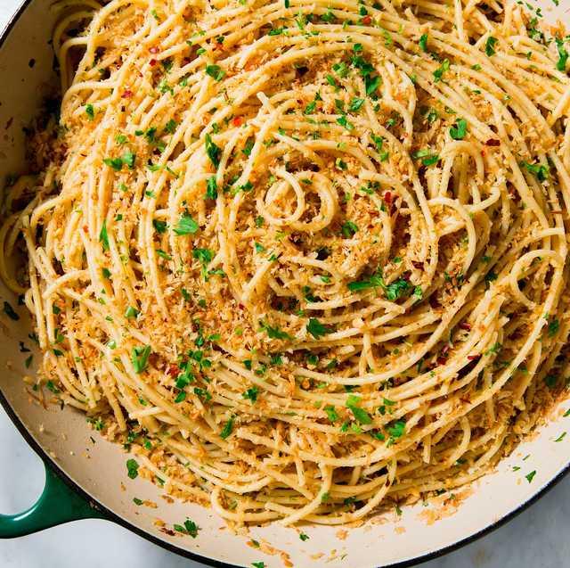 Dish, Food, Cuisine, Bucatini, Noodle, Spaghetti, Spaghetti aglio e olio, Al dente, Capellini, Ingredient,
