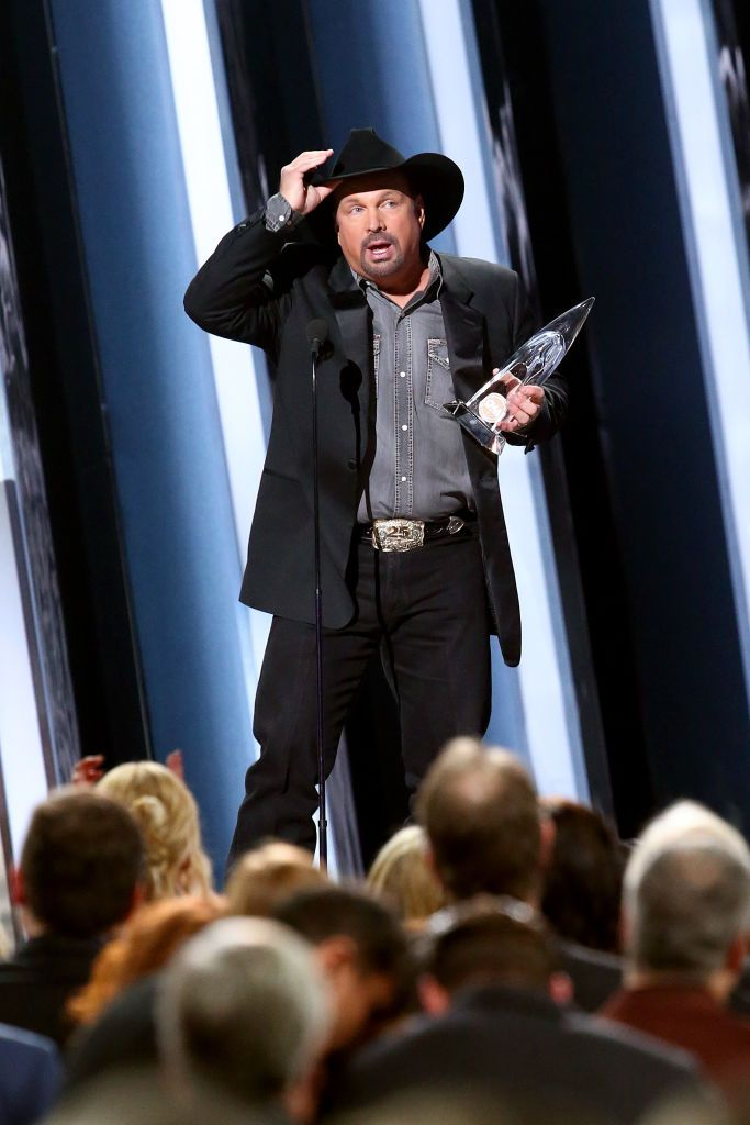 Garth Brooks Speaks Out About Carrie Underwood Following the Dramatic CMAs Results