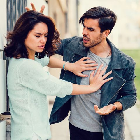 gaslighting signs and how to cope