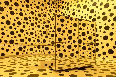 草間彌生近80年300件作品線上一次看!沈浸式雕塑、3d線上展間呈現首場回顧展