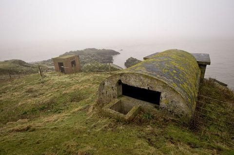 Atmospheric phenomenon, Hill, Fell, Highland, Grass, Grassland, Rural area, Bunker, Mist, Hut,