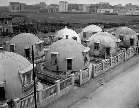 La storia di quelle strane case di Milano a forma di igloo