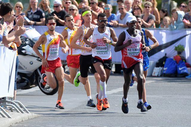 javi guerra corre en el maratón del europeo de berlín 2018
