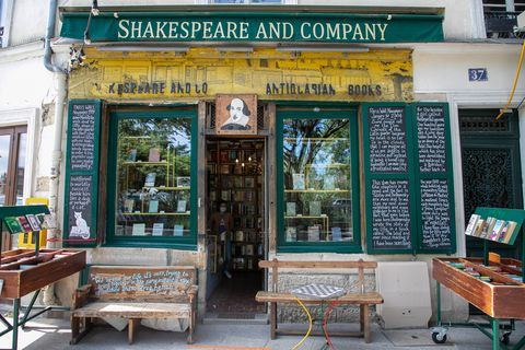 bookstores coronavirus measures, shakespeare and co paris