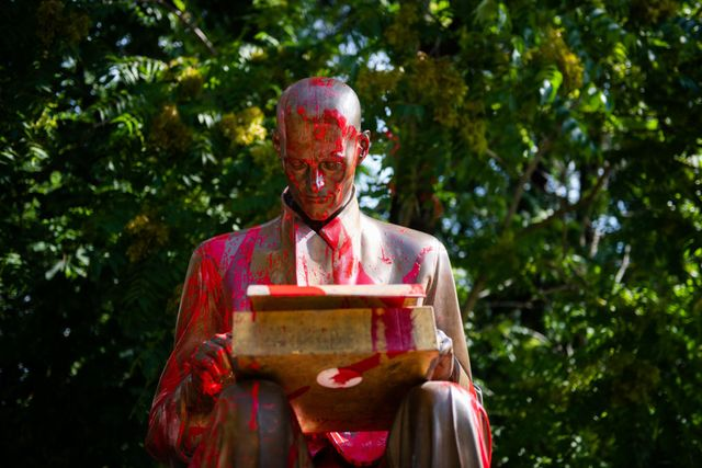 indro montanelli statue damaged