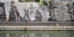 ITALY-ART-KENTRIDGE-MURAL