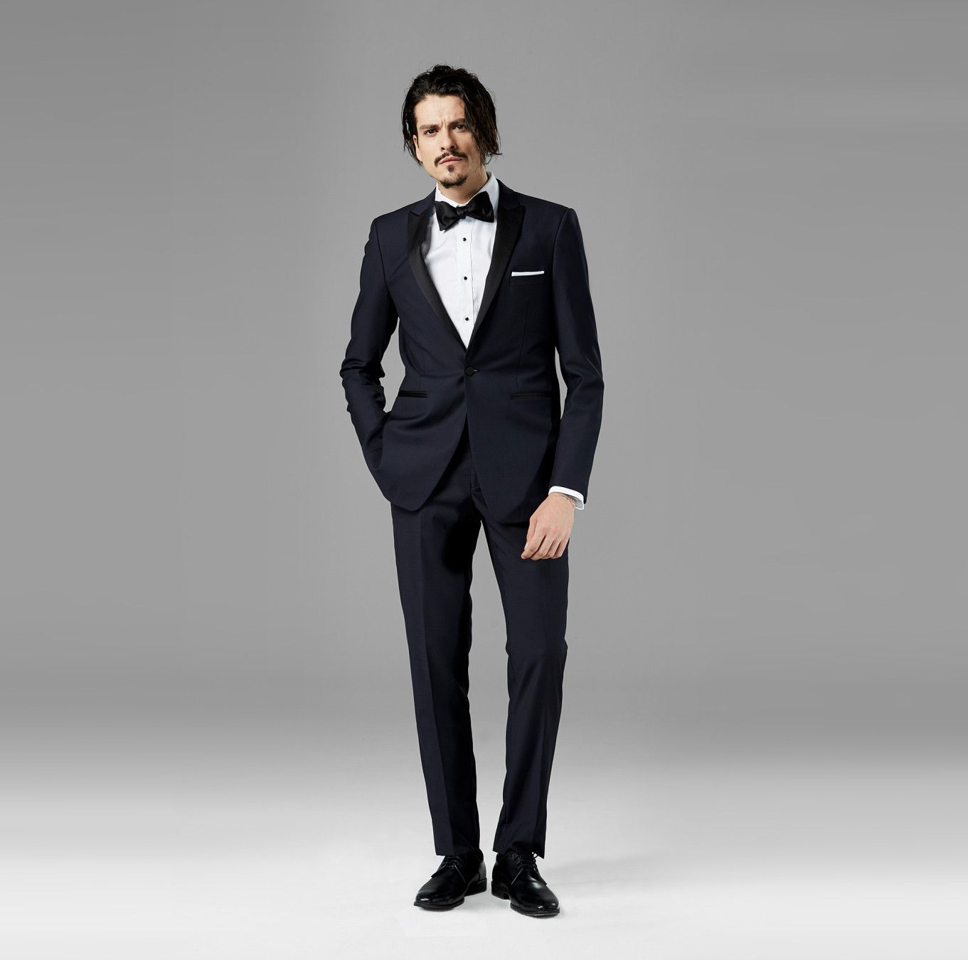 How to Rent a Tux Last-Minute, Because Hey, You're a Busy Guy