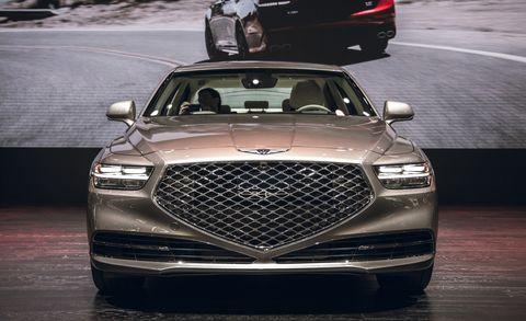 Land vehicle, Vehicle, Car, Grille, Motor vehicle, Luxury vehicle, Automotive design, Automotive exterior, Full-size car, Bumper,