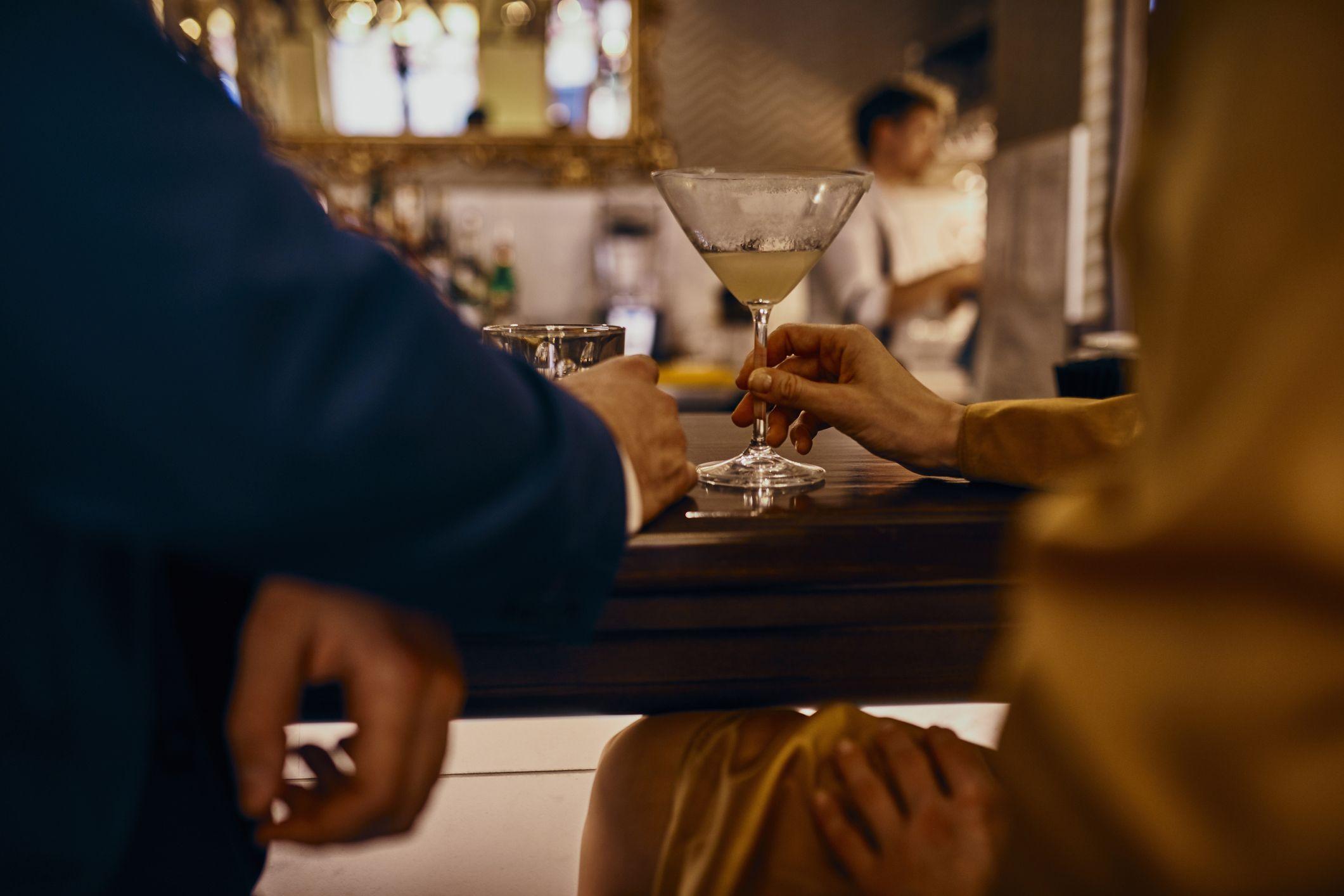 Hoe om te weten dat u een alcoholische dating