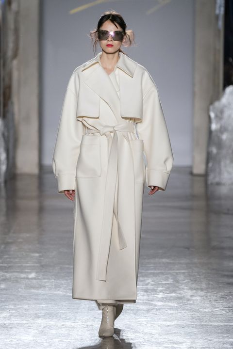 Fashion, Fashion show, Fashion model, Clothing, White, Runway, Outerwear, Public event, Haute couture, Overcoat,