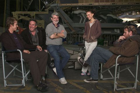 George Lucas Rick McCallum Hayden Christensen Natalie Portman Ewan McGregor en el set de Star Wars