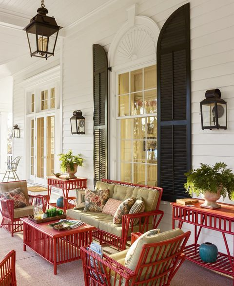 Gil Schafer Designs A Eye-Catching Veranda In Southern Georgia