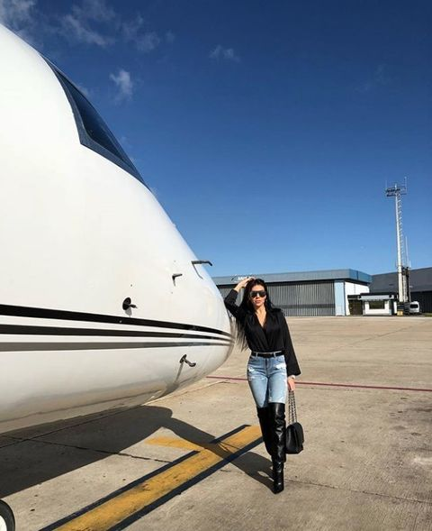 White, Transport, Sky, Vehicle, Aerospace engineering, Vacation, Photography, Leisure, Business jet, Airplane,