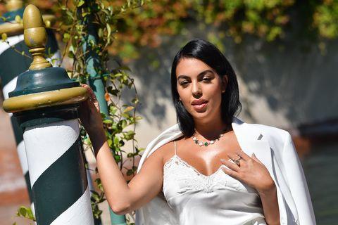 georgina rodríguez aterriza en el festival de venecia
