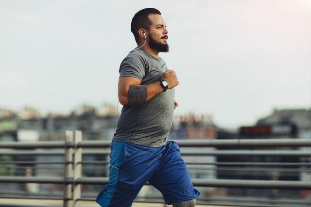 corredor con ligero sobrepeso