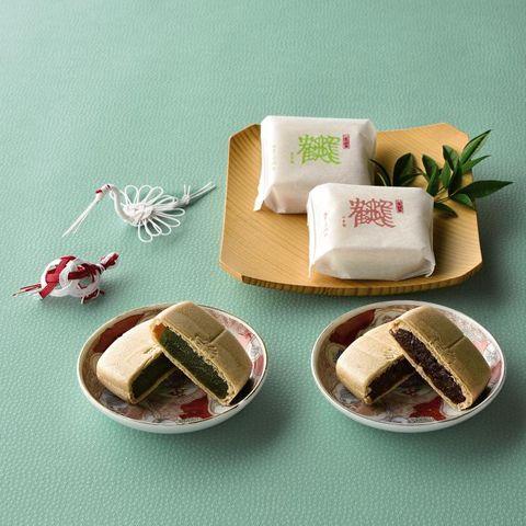 Petit four, Food, Miniature, Cuisine, Tableware,