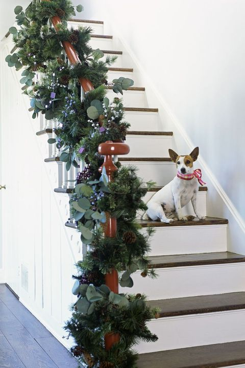 10 Lovely Christmas Stair Decorations - Holiday Staircase Decor Ideas