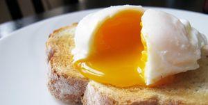 huevo, frito, troz, pan