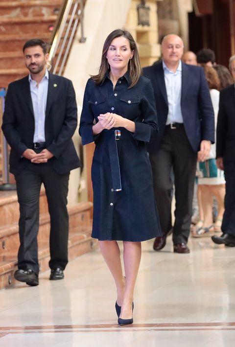 ec5eaa1531 Queen Letizia of Spain Best Outfits - Queen Letizia of Spain Royal ...