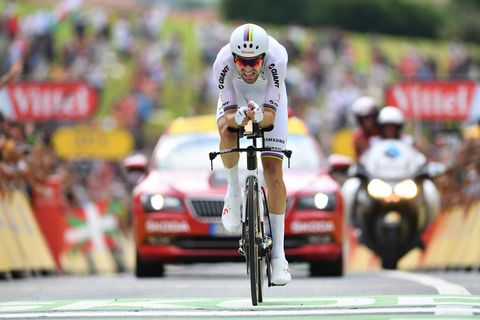 Land vehicle, Vehicle, Sports, Cycling, Road cycling, Road bicycle racing, Racing, Bicycle, Cycle sport, Recreation,