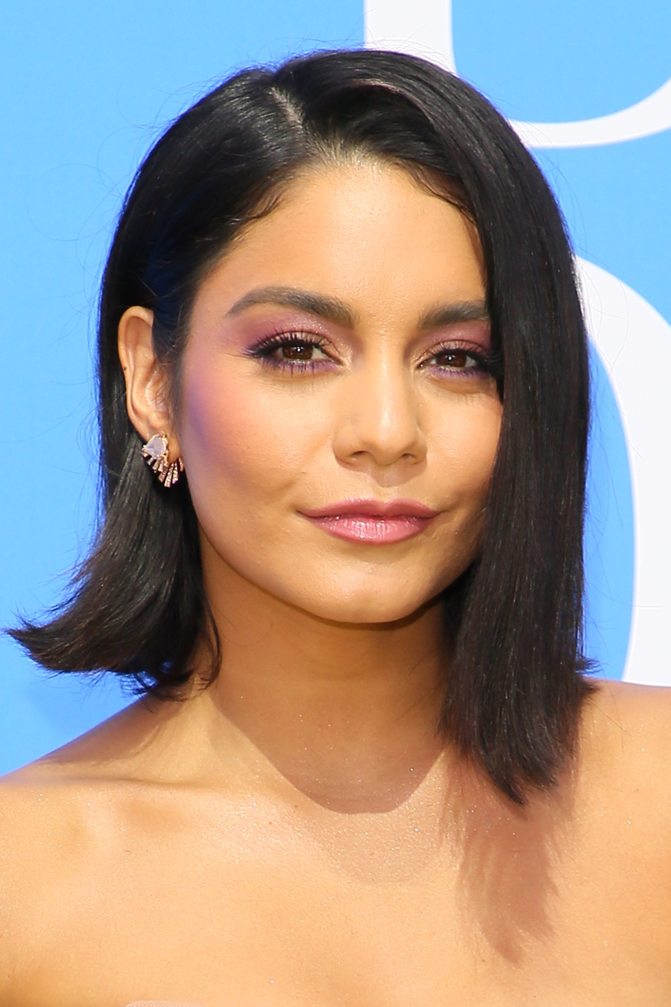 Vanessa Hudgens If you can't decide to go shorter or keep your length, try both! ICYMI: mismatched lengths are in , as shown by Vanessa Hudgens' asymmetrical lob.